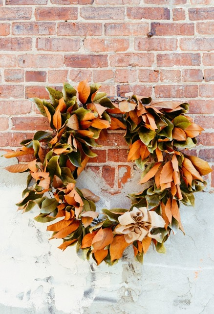 Christmas wreath made of leaves found in nature.